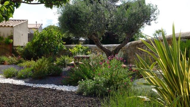 entreprise paysagiste montpellier depuis 1994 cr er et am nage votre jardin. Black Bedroom Furniture Sets. Home Design Ideas