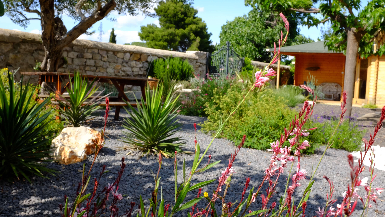 Entretien jardin automne entretenir son jardin en for Conseil entretien jardin